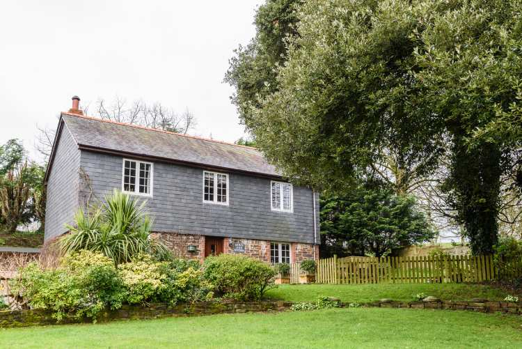 Exteral view of Holm Oak cottage